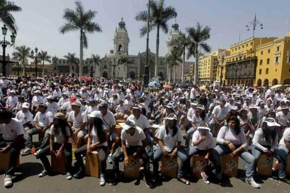 Lima Peru 2012 svetski rekord cajon.rs