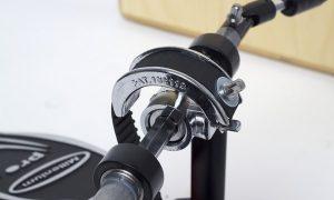 Cajon pedal traka