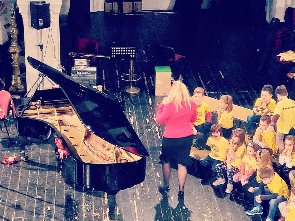 cajon za deciji hor muzicka skola kahon srbija